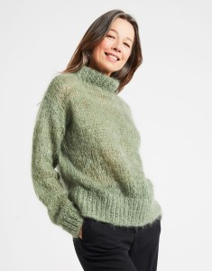 Fascination_Sweater_EucalyptusGreen-1